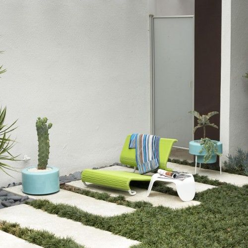 Over at A+R you can find some sweet containers and lights for accessorizing your modern garden. I am all over this mid-century thing (again) today. My own aesthetic veers wildly between …