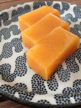 完熟した柿の水羊羹                                                                                                                                                                                 もっと見る