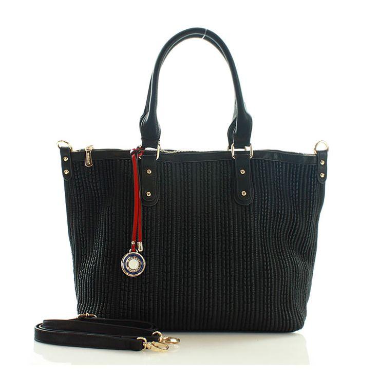 Monnari hullámosított testű trapéz alakú fekete táska