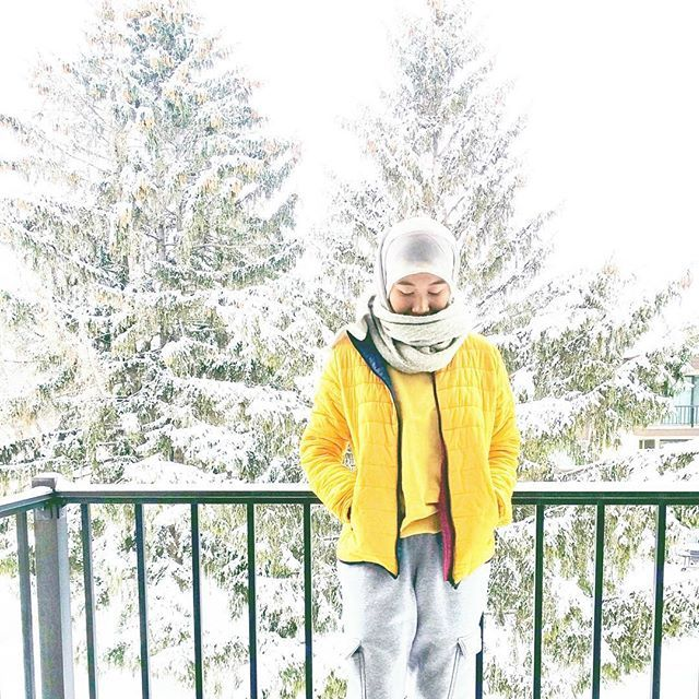 yellow winter outfit. Hijab style. Winter Hijab outfit. Hijab outfit inspiration by Mona