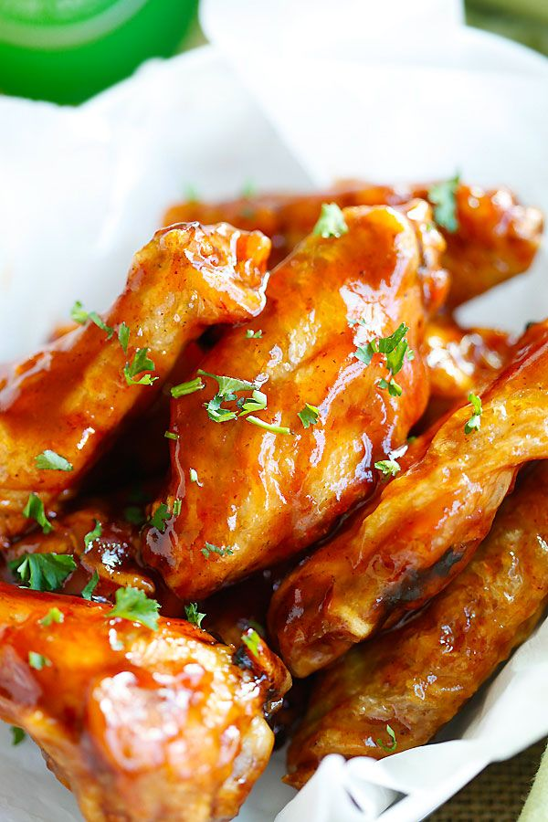 Honey BBQ Chicken Wings - 3 ingredients, no deep-frying, the easiest and crispiest chicken wings ever with delicious and sticky sweet honey bbq sauce.
