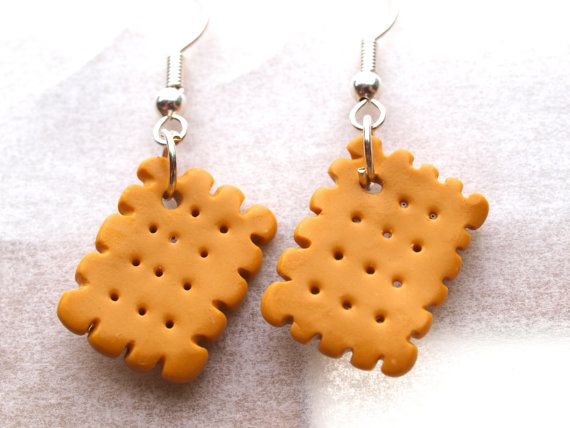 Biscuits in dangle earrings in polymer clay/fimo by www.mignonnerie.com