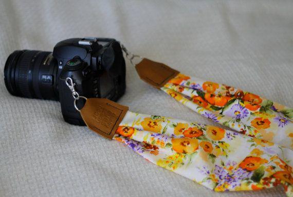 Vintage Floral Print Scarf Camera Strap van maddiemichael op Etsy