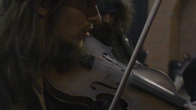 nagranie: Warszawa / 2016 ---------------------------------------------------------------- Marcin Drabik - skrzypce Herman Heartel - skrzypce Cezary Bursa - bębenek obręczowy Wanda Leben - basy ---------------------------------------------------------------- /facebook.com/muzyka.zakorzeniona/ facebook.com/festivalmazurki