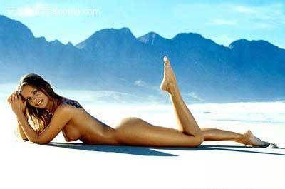 Wreck beach nudist