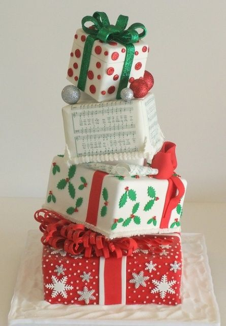 a beautiful Christmas wedding cake
