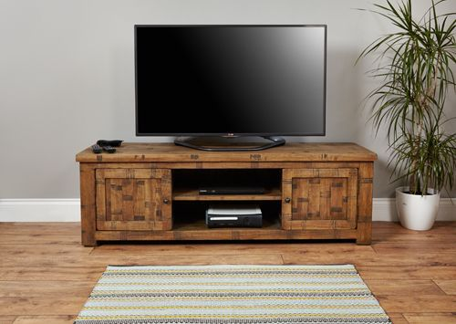 Rough Sawn Oak Widescreen Television Cabinet #wood #oak #furniture #television #storage #home #interior #decor #livingroom #lounge #bedroom #cabinet #plant #rug
