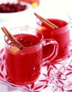 Leckere Aufwärmung nach dem Laternenumzug und eine absolute Vitamin C-Bombe noch dazu: Cranberry-Punsch.