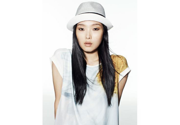 SUNG HEE - My style? Urban romantic, with a print T-shirt.
