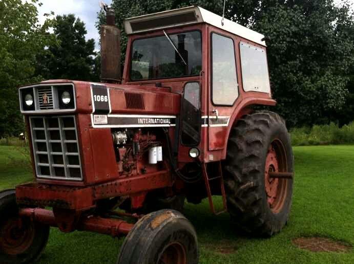 International 1066 Black Stripe : Ih black stripe international tractor