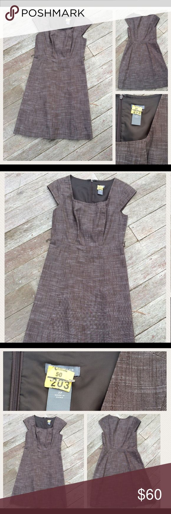 """Ann Taylor Classic Gray Short Sleeve Dress 2P In perfect, flawless, like new condition. Smoke and pet free home. Size 2 Petite Ann Taylor Gray Dress Approximate Measurements: 27"""" armpit to hem 14-1/2"""" waist laying flat  Classic, versatile, like new dress. All reasonable offers considered. Ann Taylor Dresses"""