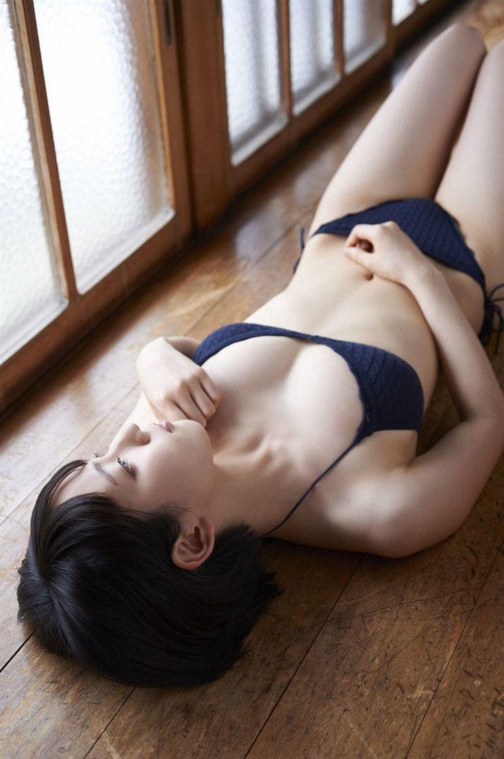 画像☆吉岡里帆 程良いサイズの暴れん坊おっ●いグラビアwwwwww0004mizutama