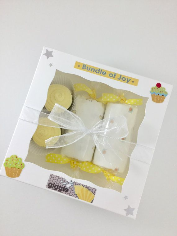 Adorable Gender Neutral Washcloth Cupcakes Gift Box!  #neutralnotboring #unisex #neutral #babygift #notfindingout