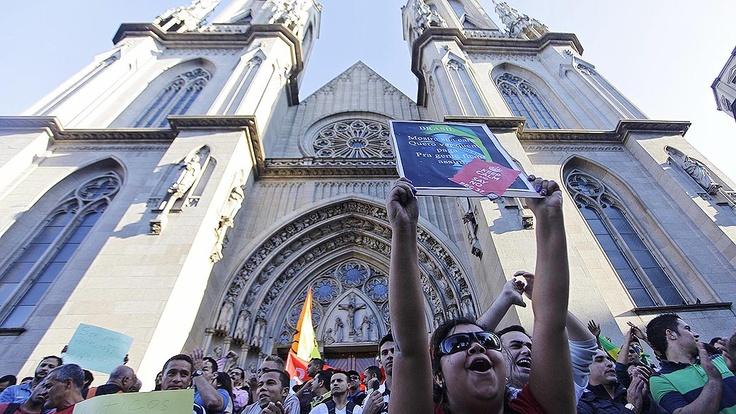 Redes Sociais Se não são apenas os 20 centavos, qual a razão das manifestações pelo Brasil?  Envie mensagem no perfil de VEJA no Twitter; as melhores serão selecionadas