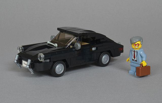 Classic 1963 Porsche 911 zooms along the Autobahn