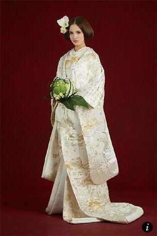 上品なゴールドが花嫁に華を添える一着♡ 高級感のある白無垢まとめ。上質でラグジュアリーな花嫁衣装の参考に☆
