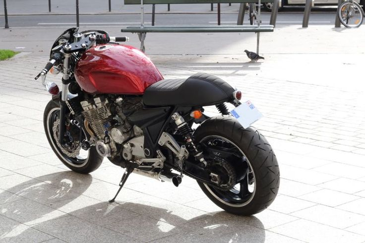 Yamaha XJR 1300 Café Racer par Modification Motorcycles