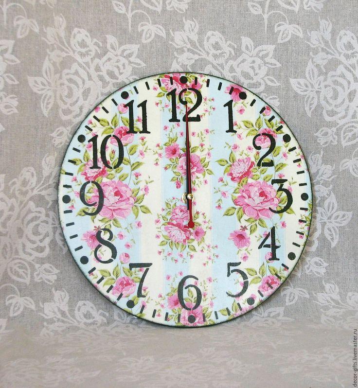 """Купить Настенные часы """"Розы ситчик"""" мятные с розовым (дерево, декупаж) - мятный, розовый, часы"""