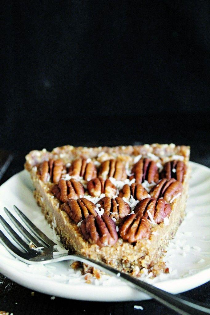 Maple Pecan Pie (Raw, Vegan, Gluten-Free, Paleo) #veganrecipes #rawvegan #vegandesserts