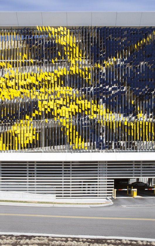 Parking Structure Art Facade / Urbana http://www.archdaily.com/536756/parking-structure-art-facade-urbana/