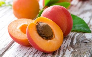 Laetrile,  Apricot seeds, Naturopathic medicine