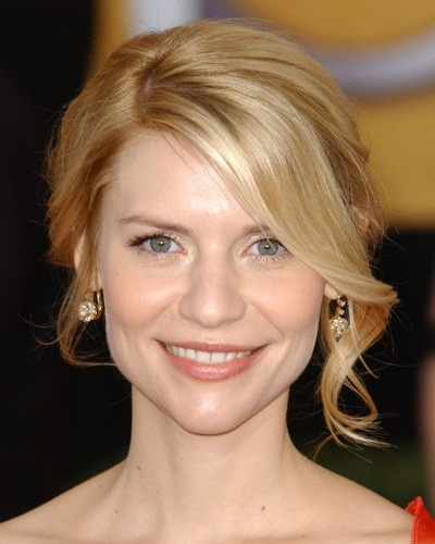 "#ClaireDanes updo with side part Long the style of the ""bangs"""
