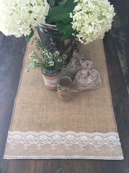 Hochzeitsdeko - Tischläufer Jute mit spitze - ein Designerstück von Ira1234 bei DaWanda