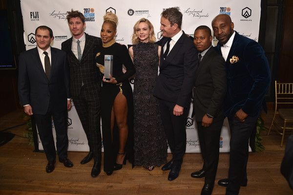 Mary J. Blige Photos - Actors Michael Stuhlbarg, Jason Mitchell, Rob Morgan, Mary J. Blige, Garrett Hedlund, Carey Mulligan, and Jason Clarke pose with the Special Jury Award – Ensemble Performance The 2017 IFP Gotham Independent Film Awards co-sponsored by FIJI Water at Cipriani Wall Street on November 27, 2017 in New York City. - The 2017 IFP Gotham Independent Film Awards Co-Sponsored By FIJI Water