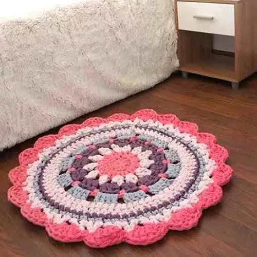 alfombras redondas artesanales tejidas al crochet con totora