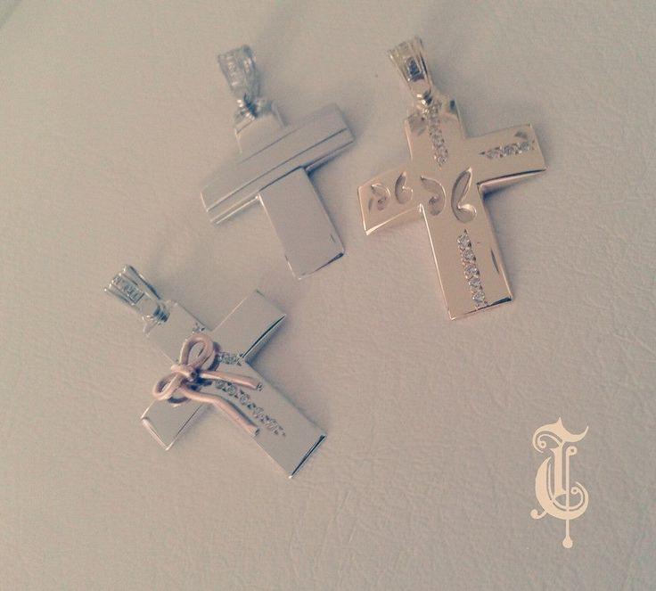 σταυροί βάπτισης, βαπτιστικοί σταυροί Τριάντος, gold crosses jewelry κωδικός προϊόντος από αριστερά : 1.1.1172,1.1.1228 και 1.1.1167