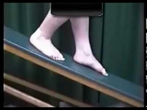 Esercizi propriocettivi nella rieducazione del piede piatto - YouTube