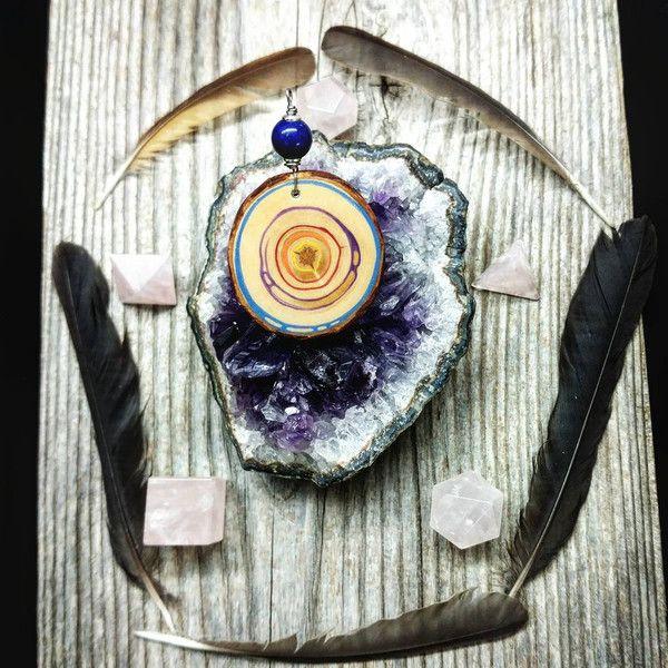 Medaillions & Amulette - buntes Amulett für Fülle mit Lapislazuli aus Zirbe - ein Designerstück von Naturlieb-Schmuck bei DaWanda