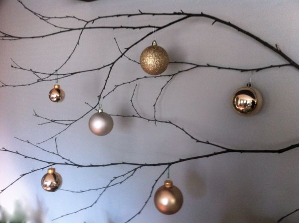 Organic Holiday decor would be beautiful over a mantle or on a large empty wall.