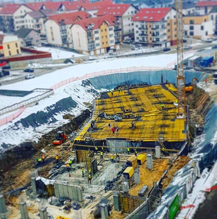 Iarnă, iarnă, dar credeați că imobilul nostru nou, M7, nu se ridică? ❄️🆙