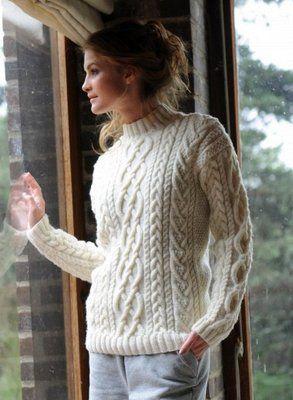 """Рельефный свитер и мамы и дочки! Модели из коллекции Bergere de France 2011. Описание из журнала """"Сабрина""""."""