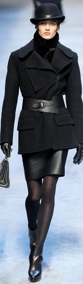 So very classy. Hermès..........  http://thingswomenwant.com/