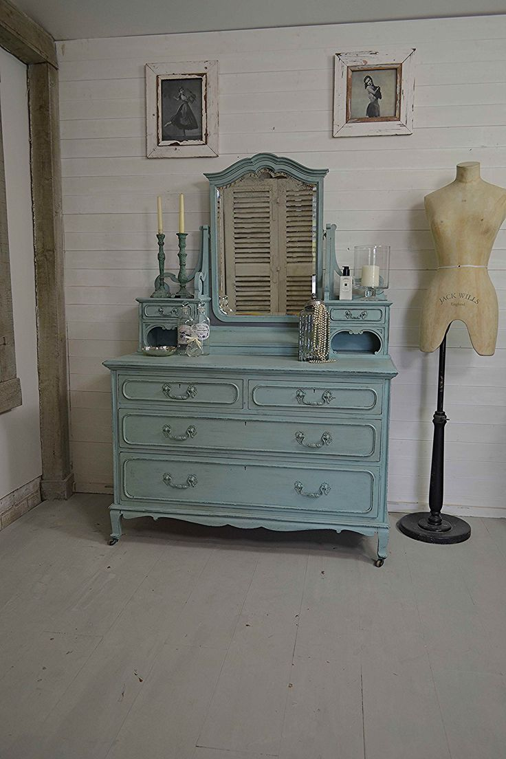 Victorian dressing table - We Just Love This Victorian Dressing Table With It S Elegant Curves Ample Storage And