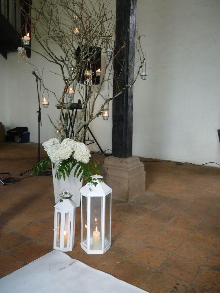 Chamizo decorado con velas y porta velas antiguo wedding - Decoracion con velas ...