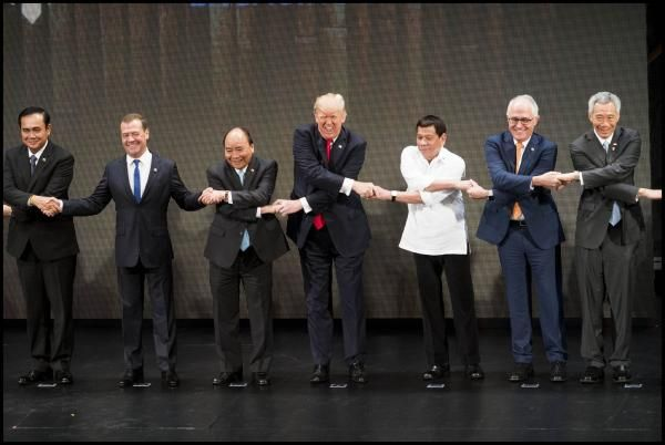Meanwhile, In The Philippines https://betiforexcom.livejournal.com/28135383.html  It's clearly time for a caption contest. President Trump joins other world leaders in a handshake with President Rodrigo Roa Duterte, right, during the opening ceremony of the 31st ASEAN Summit.  Photo @dougmillsnyt Also, how did Medvedev get an exem...The post Meanwhile, In The Philippines appeared first on crude-oil.news.The post Meanwhile, In The Philippines appeared first on aroundworld24.com…