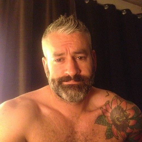 "x-bearfan: ""Everything I want in a bearded muscle bear """