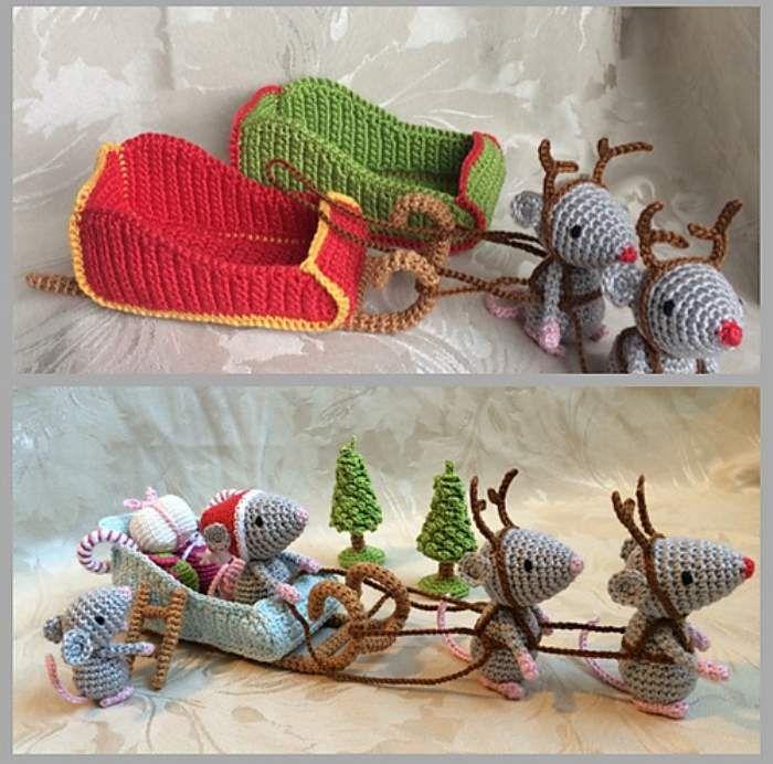 Christmas Mice. Santa's Sleigh