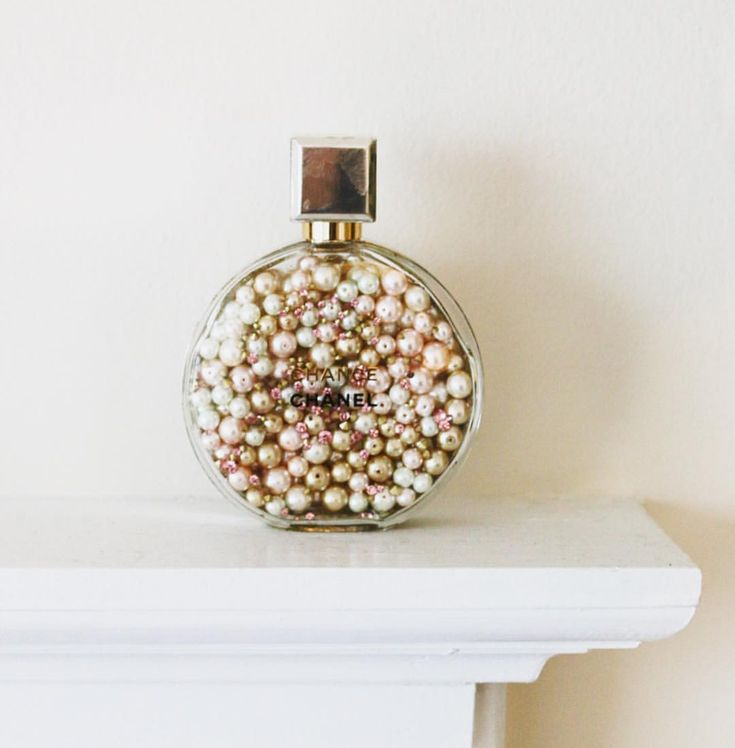 "Stop, Drop & Vogue auf Instagram: ""check out this easy DIY project for empty perfume bottles ✨ http://stopdropandvogue.com/style/diy-perfume-bottle"""