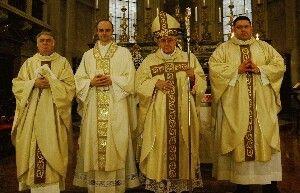 Don Emanuele insieme al Vescovo Mons.Martino Canessa, al rettore del seminario Don Marco Daniele e al vice rettore