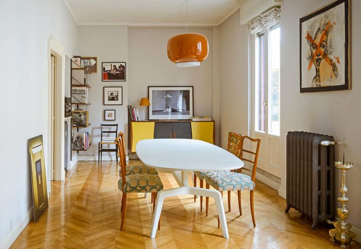 Vintage and design furniture in this house in milan for Poste mobili 0 pensieri small