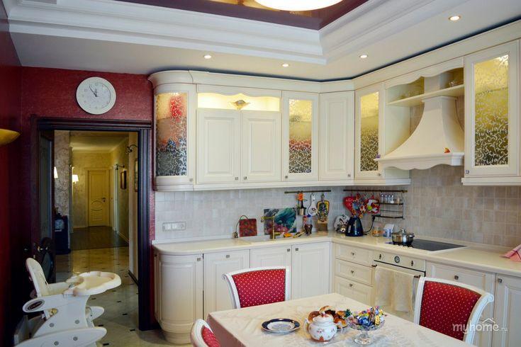 """Контрастная, яркая, сочная... кухня в которой хочется проводить время вечерами в теплом домашнем кругу близких. Уже более 5 лет эта квартира живет своей полноценной жизнью.    Комфортный, функциональный дизайн и безупречное качество отделочных работ.  Данный проект разработан, реализован и полностью укомплектован коллективом Творческой мастерской """"Твердый Знак""""   Мы точно знаем, как воплотить наши идеи в жизнь.  +7-918-133-44-99 1-znak.ru vk.com/1znak_krd  instagram.com/i..."""