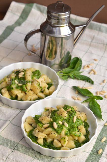 ITALIAN FOOD - GNOCCHI DI PATATE SENZA GLUTINE AL PESTO DI BASILICO (POTATO DUMPLINGS GLUTEN FREE BASIL PESTO)