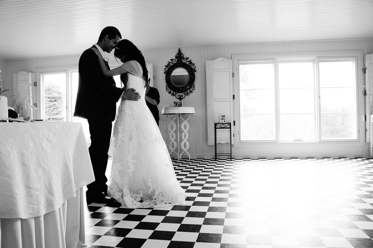 First Dance - Wedding Day - Sweet Moment