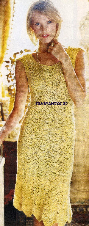 Вязаное спицами ажурное платье