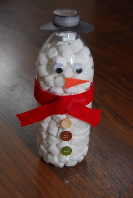 marshmellow dispenser: Snowman Marshmallow, Water Bottle, Gift, Idea, Christmas Crafts, Hot Chocolate, Marshmallow Dispenser, Marshmallow Snowman, Marshmallows