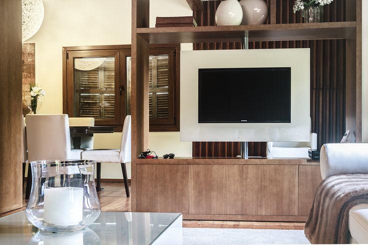 Private Dwelling #moderninteriors #livingpursuit #brainstorm #brainfood #Inspire #interiordesign #homedecor #Luxuryhomes #luxuryfurniture #luxury #homeinspirations #inspirations #mariavilhenadesign